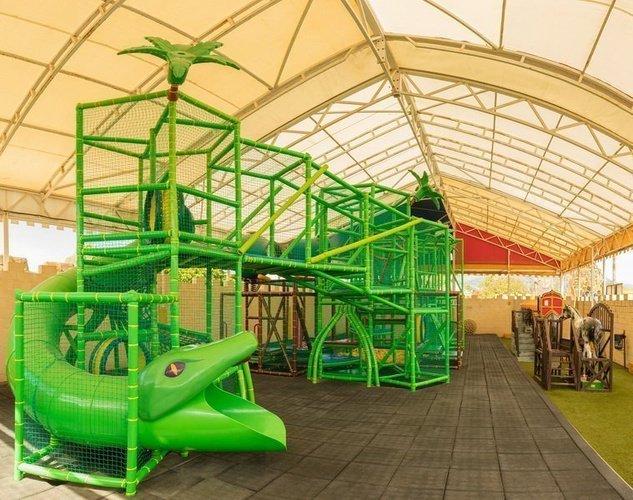 Детский парк с зонами деятельности и мастерскими Парк отдыха Magic Robin Hood Альфас-дель-Пи