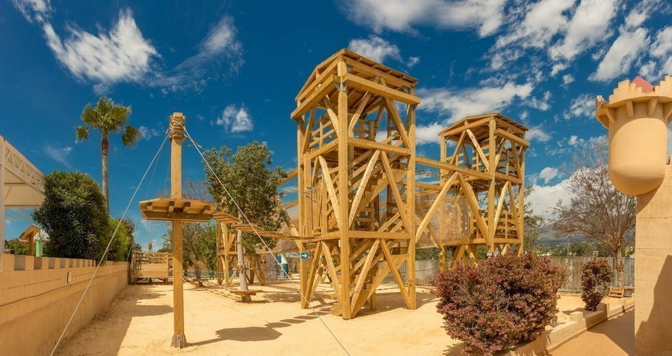 Парк мульти-приключений - Приключенческий контур Парк отдыха magic robin hood альфас-дель-пи